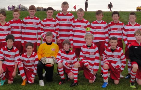 U14s sporting their new kit. Sponsored by KR Car Sales