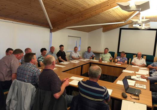 Reducing milk production will have little benefit in the long-run –  UFU dairy policy committee